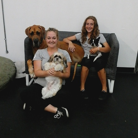 Abby and Nicole hang out with Remington, Molly and Dexter